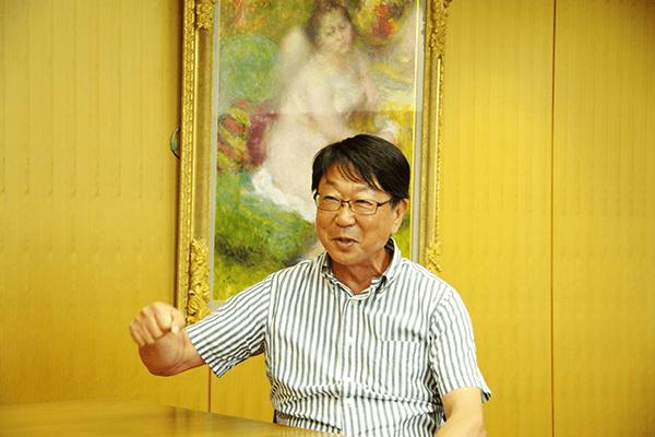 豊岡市長/中貝 宗治